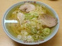 「ラーメン(577円)+餃子(399円)」@おぐら屋の写真