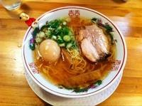 「金醤油らーめん(細麺)+煮玉子」@金久右衛門 梅田店の写真
