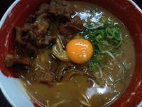 「徳島ラーメン + 生たまご、豚バラ」@徳島ラーメン 麺王 神戸元町店の写真