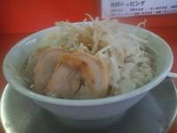 「ラーメン並+小豚+全部 700円 (200g)」@ジャンクガレッジ 熊谷店の写真