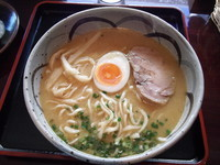「鶏骨ラーメン(平打ち全粒粉麺) 700円」@麺's たぐちの写真