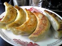 「手打ち餃子(5個)¥450」@中国手打拉麺 馬賊 浅草本店の写真