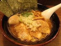「特製醤油らぁ麺」@ゴリラーメンの写真