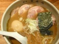 「チャーシューラーメン+味玉」@麺屋吉左右の写真