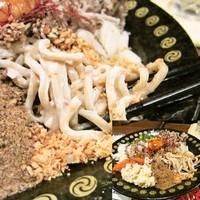 「まぜそば「どからにんにく」 780円」@つけ麺 もといしの写真