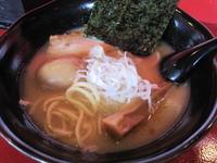 「生豚骨ラーメン580円+味玉100円」@麺屋 修の写真