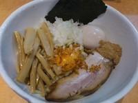 「まぜそば(少なめ)¥700+チーズ¥100=¥800」@麺家 一鶴の写真