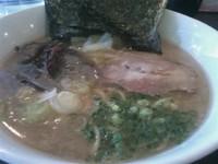 「しょうゆらーめん 660円」@麺と酒 すてぃーぼの写真