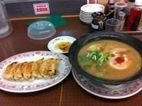 「こってりラーメン¥550+餃子¥200」@餃子の王将 高茶屋店の写真