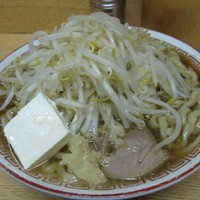 「ラーメン(豚2枚)・ニンニク+クリームチーズ 650円+50」@ラーメン二郎 環七新代田店の写真
