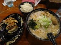 「味噌らーめん+味玉+餃子4個+ライス(900円)」@北海道らーめん 味源 国分寺南口店の写真