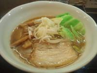 「らーめん」@づゅる麺 池田の写真