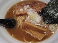 「魚介豚骨醤油ラーメン 580円」@麺屋 修の写真