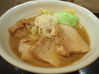 「塩らーめん +チャーシュー」@づゅる麺 池田の写真