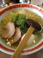 「本丸塩らー麺800 味玉(塩)100」@厚木本丸亭の写真