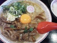 「肉玉そば¥700+ライス¥0×2」@尾張肉玉そば 豚鯱の写真