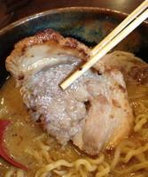 「北海道味噌・味噌漬け炙りチャーシュー麺」@蔵deらーめんの写真