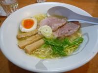 「塩ラーメン(750円)」@爆じゅう餃子 餃点の写真