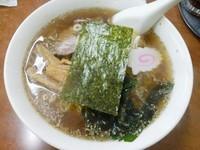 「醤油ラーメン+大盛」@らーめん飛鳥の写真