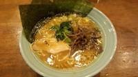 「ラーメン(麺固め味濃いめ)600円」@横浜家 南幸店の写真