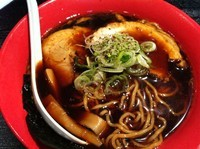 「富山ブラックらーめん」@麺家いろは 京都駅ビル店の写真