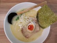 「鶏白湯塩ラーメン 700円」@極麺 大森の写真