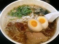 「背油しょうゆらぁ麺 ¥650」@らぁ麺 みつひらの写真