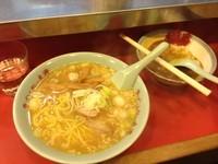 「ニンニクラーメン+茶碗カレー」@太源の写真