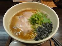 「あっさり 醤油らぁ麺」@麺処 ばっはの写真
