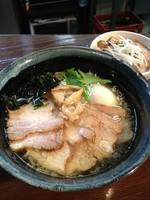 「塩チャーシューメン900味玉100炙り焼豚ご飯(醤油)250」@RA-MEN BAR NAGOMIの写真