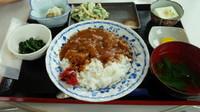 「海鮮カレー定食 1000円」@よっちゃーれセンターの写真