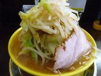 「ドカ盛りラーメン ¥650+(麺大盛り¥100+野菜増し)」@俺のドカ麺 本店の写真