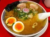 「気仙沼ラーメン潮味 半熟煮玉子入り (900円)」@かもめ食堂の写真