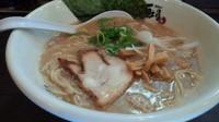 「魚介豚骨ラーメン【ランチ限定】600円」@九州豚骨 ちゃんぽん 頃場の写真
