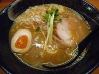 「濃厚らーめん(¥750)(+替え玉¥100)」@みつ星製麺所 西中島店の写真