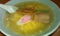 「塩ラーメン=450円 Ps後日醤油を…」@さくら食堂の写真