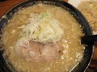 「こってりラーメン(味噌)+半チャーハン 「700円+350円」@北海道ラーメン めんぽぽの写真