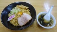 「一平ソバ中(650円)+生卵(50円)+スープ(50円)」@油ソバ専門店 一平ソバの写真