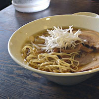 「チャーシューメン830円+やきもつ」@上田屋の写真