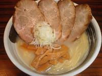 「塩ちゃあしゅう(太麺) 950円」@らあめん ひばりやの写真