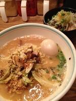「味玉バカ850 炙りチャーシュー丼350」@仙川らーめん ばかたれの写真