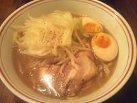 「醤油らぁ麺+味玉 「700円+100円」」@井之上屋の写真