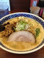 「坦々麺 + 赤(辛モヤシ)feat.麺硬め」@一世風靡の写真