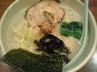 「とん塩+替え玉820円」@くすのき亭の写真