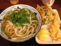 「かけ(大)+かしわ天+半熟たまご天+ちくわの磯部かき揚げ」@丸亀製麺 大和店の写真