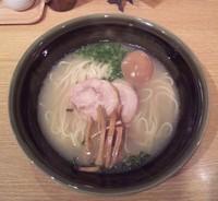 「牡蠣と鯛出汁のらーめん:680円+味玉:100円」@麺屋 ぬかじの写真
