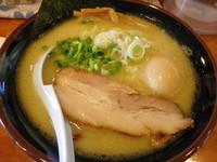 「とりぱいたん(中・麺かため)840円+味玉(サービス)」@はちの写真