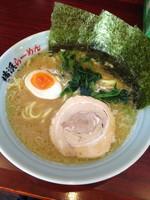 「らーめん(麺硬め) ¥500 通常価格¥650」@横浜らーめん いちばん家の写真