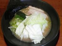 「横浜家系豚骨醤油 700円」@がち家の写真