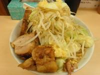 「ラーメン(ヤサイ、ニンニク) 700円」@自家製ラーメン 大者の写真